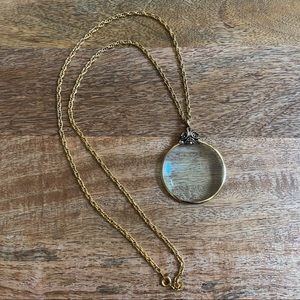 Vintage AVON Gold Plated Magnifying Glass Necklace